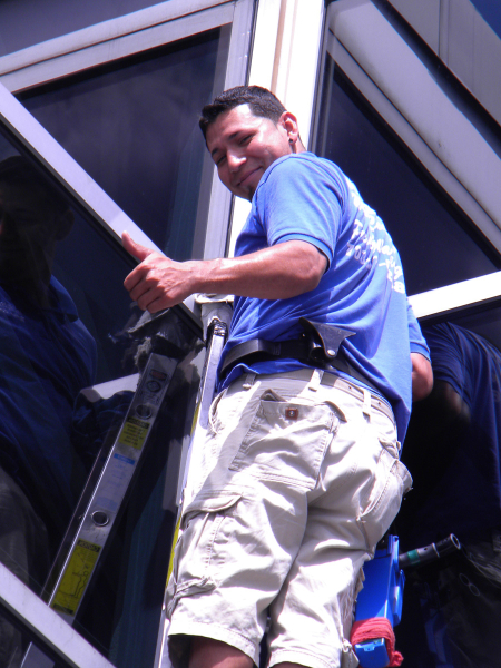 1t-commercial-window-washing